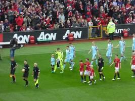 Premier League: Teams dürfen Kontakttraining durchführen