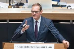 Pandemie: Debatte um Corona-Lockerungen: Müller geht auf Merkel zu