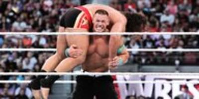 Profi-Wrestling in Corona-Zeiten: Ein Griff, ein Wurf und – nichts