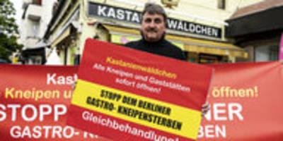 Corona-Auflagen in Berlin: Locker vom Hocker