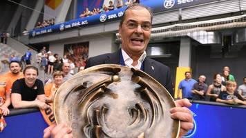 ex-coach moculescu: außer sich empören,  kann die vbl nichts