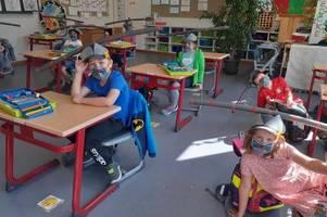 corona-regeln: mit poolnudeln zurück ins klassenzimmer