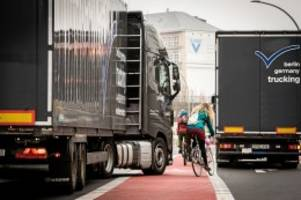 Verkehrssicherheit: Berlin testet neue Kreuzungen und streicht Fahrradweichen