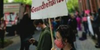 krankenhäuser in berlin: geld für gesundheit statt flieger