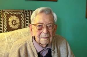 """großbritannien: """"bis zum schluss"""" munter: der älteste mann der welt ist tot"""