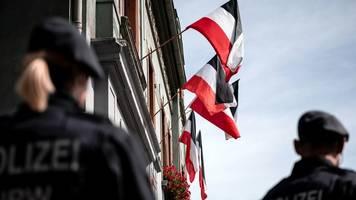 Äußerste Wachsamkeit geboten: Verfassungsschutz-Präsident warnt vor Gefahr von rechts