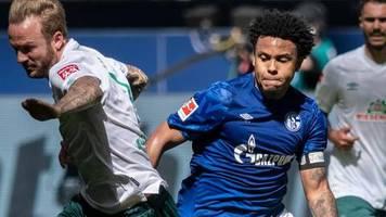 Im Spiel gegen Werder Bremen: Justice für George: Schalker McKennie trägt Armbinde aus Solidarität für George Floyd