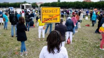 protest: wieder demonstrationen gegen corona-beschränkungen