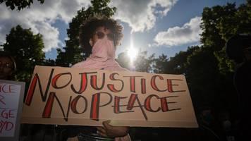 Gerechtigkeit für George Floyd: Demo vor US-Botschaft