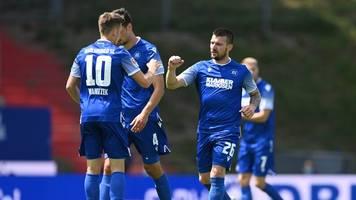 1:1 beim KSC: FC St. Pauli verteidigt Vorsprung