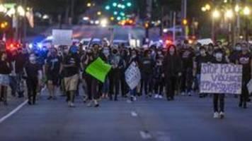 Tod eines Schwarzen in Minneapolis: Proteste quer durch die USA