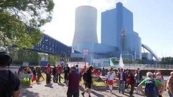 Video: Proteste vor Steinkohlekraftwerk in Datteln