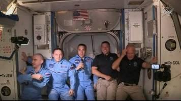 Nasa: US-Astronauten aus SpaceX-Raumkapsel in der ISS angekommen