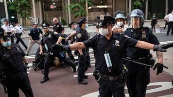 Schwarzer nach Polizeigewalt gestorben: Proteste und Plünderungen nach dem Tod von George Floyd – Festahmen vor dem Trump Tower