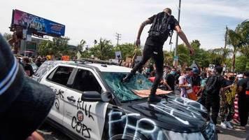 Gegen Polizeigewalt: Trotz Ausgangssperre: Unruhen nach dem Tod von George Floyd eskalieren