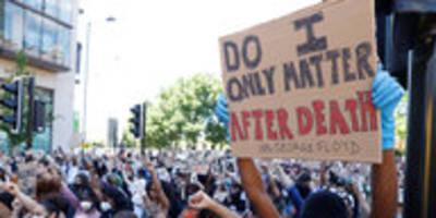 Proteste gegen Polizeigewalt in den USA: Wut, Mut und wilde Hunde