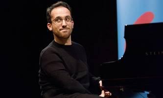 igor levit beendet klavier-marathon nach fast 16 stunden