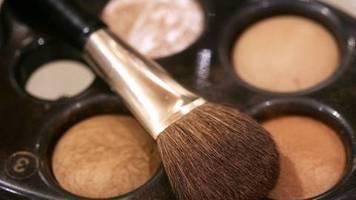 kosmetik: weniger nachfrage nach make-up in corona-krise