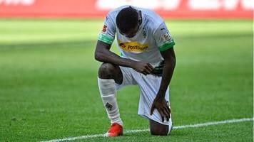 Zeichen gegen Rassismus: Wie Thuram, Sancho und Co. die Lächerlichkeit der DFB-Regeln entlarven