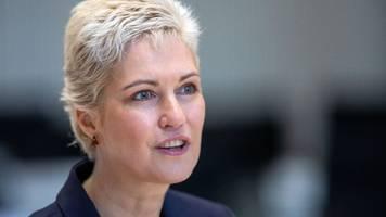mv-regierungschefin: kinderrechte müssen ins grundgesetz