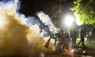 Demos vor dem Weißen Haus, Trump im Bunker: USA kommen nicht zur Ruhe