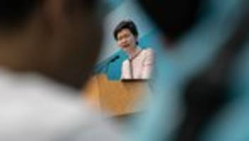 Proteste in den USA: Carrie Lam wirft USA Doppelmoral vor