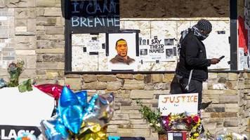 Tod von George Floyd: Eigentümer, aus dessen Laden der Notruf kam: Ich wünschte, die Polizei wäre nie angerufen worden