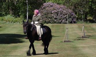 Queen Elizabeth zeigte sich erstmals seit Monaten im Freien