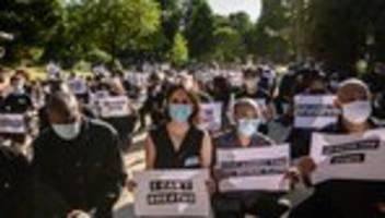 Frankreich: 20.000 Menschen protestieren in Paris gegen Polizeigewalt