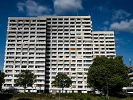 Göttingen schließt seine Schulen: Massentest im Hochhaus-Komplex läuft