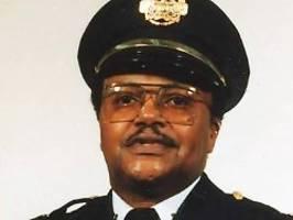 Rentner wollte Geschäft schützen: Ex-Polizeichef bei Unruhen in USA getötet
