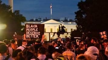 Nach Tod von George Floyd: Scheiß auf Eure Ausgangssperre! Polizei lässt Demonstranten in USA gewähren