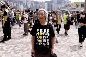 johnson bietet hongkongern persönlich die einbürgerung an