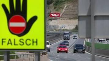 liveblog: ++Österreich lässt grenzen vorerst zu++
