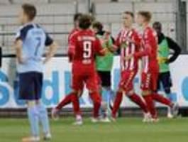 Nils Petersen schießt Freiburg zum Sieg