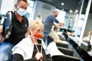 Corona-Krise: Fünf Euro mehr beim Friseur: Corona lässt die Preise steigen