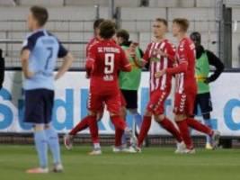 Bundesliga: Freiburg siegt - Doppel-Rot für Gladbach