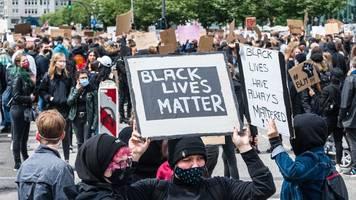 Nach US-Vorbild: Tausende bei Demos gegen Rassismus in Hamburg