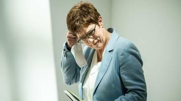 parteivorsitzende: kramp-karrenbauer: cdu-chef hat ersten anspruch auf kanzlerkandidatur
