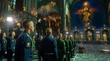 ohne putin-mosaik: russlands militär weiht kirche des sieges ein