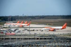 corona-pandemie: der flugverkehr in berlin zieht wieder an