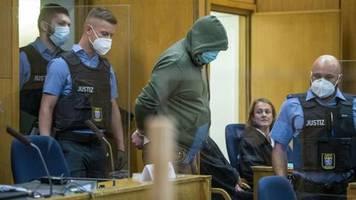 Auftakt im Lübcke-Prozess: Die Angehörigen und ihr Kampf gegen das Phantom