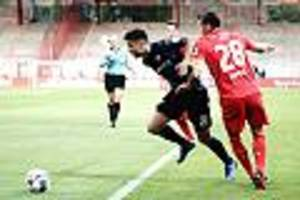 Niederlage bei Union - SC Paderborn steigt aus der Fußball-Bundesliga ab