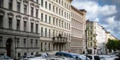 protest gegen die deutsche wohnen: 23 häuser sind eine wand