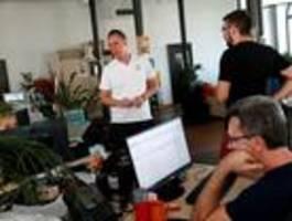 die letzten unabhängigen medien in ungarn werden abgewürgt
