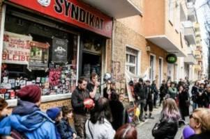 kiezkneipe in neukölln: räumungstermin für kneipe syndikat steht: proteste geplant