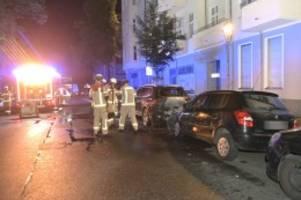 polizei und feuerwehr: blaulicht-blog: mehrere autos brennen in neukölln
