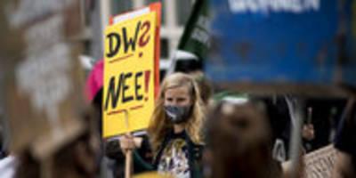 volksinitiative streitet mit senat: spd drückt sich vorm enteignen