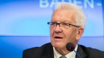 kretschmann gratuliert vfb stuttgart zum bundesliga-aufstieg