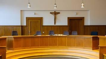 Urteil im Prozess gegen Pathologen im Saarland erwartet